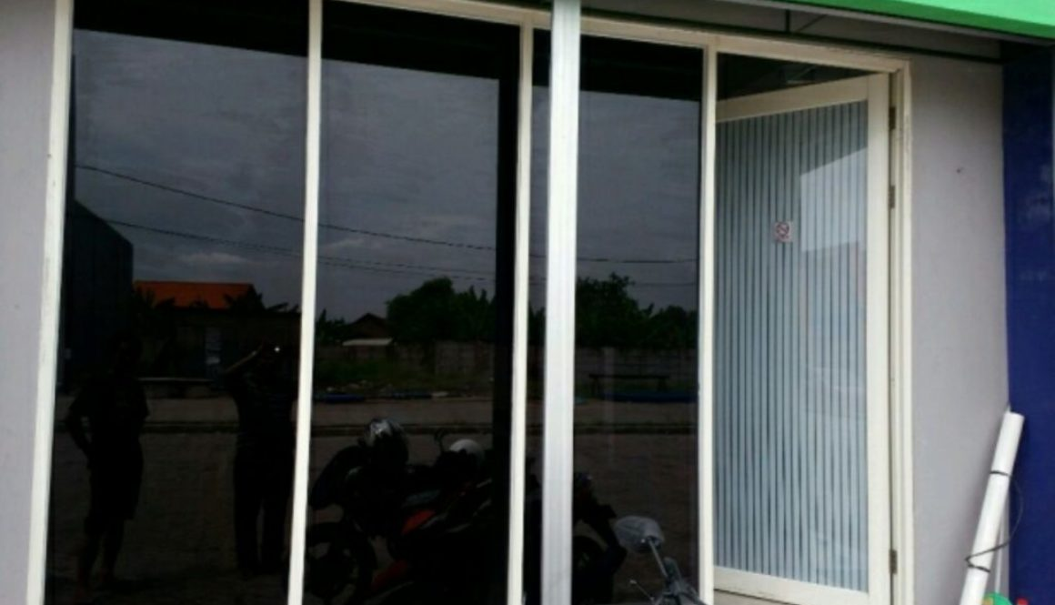 Distributor Bengkel Pasang Kaca Film mobil dan Gedung Harga Murah berkualitas di Lembursitu, Kota Sukabumi, Jawa Barat